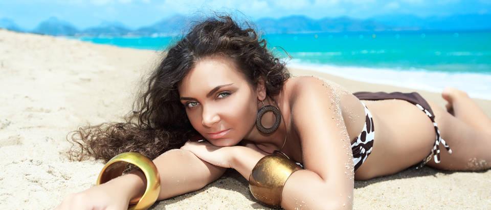 kosa, plaza, zena, ljeto, Shutterstock 50345830