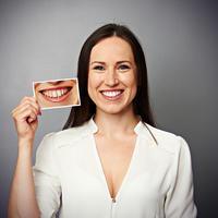 Zubi izbjeljivanje žena zdravi zubi shutterstock 140720506