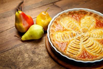 Zimska poslastica Jamiea Olivera: bezglutenska torta s đumbirom, kruškama i bademima