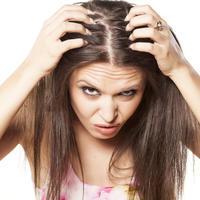 Kosa problemi s kosom ispadanje kose žena shutterstock 162983405