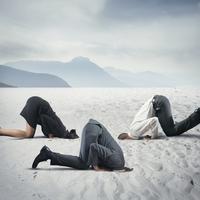 sram, ponizenje, strah, bijeg, Shutterstock 196423220