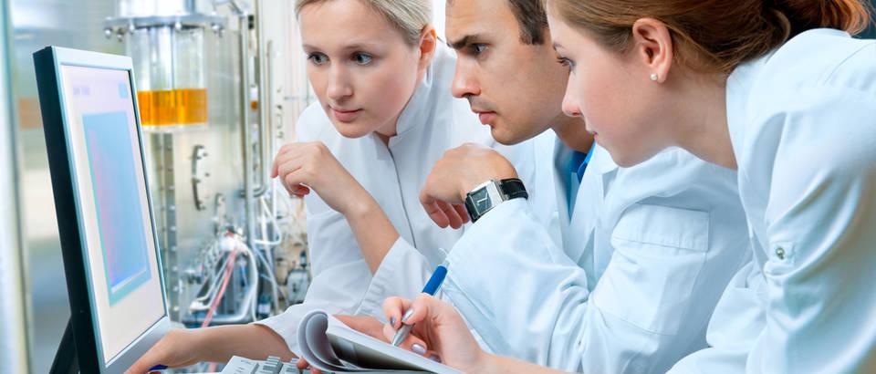 lijecnici, Shutterstock 71245138