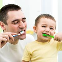 Tata sin zubi cetkanje pranje