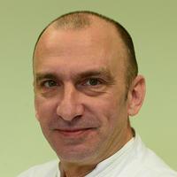 Dr.sc. Andrej Roth, plastični kirurg