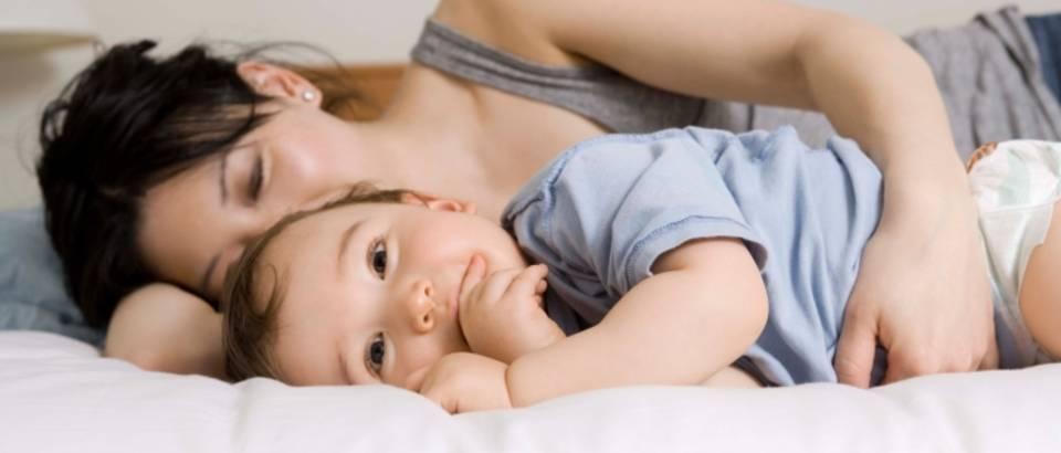 dijete-mama-sreca-beba-novorodence