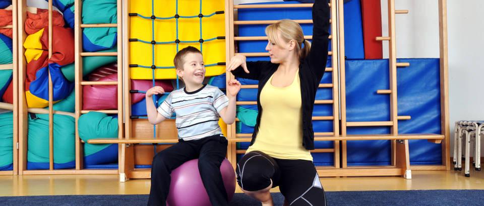 fizioterapeut, Shutterstock 1086726827