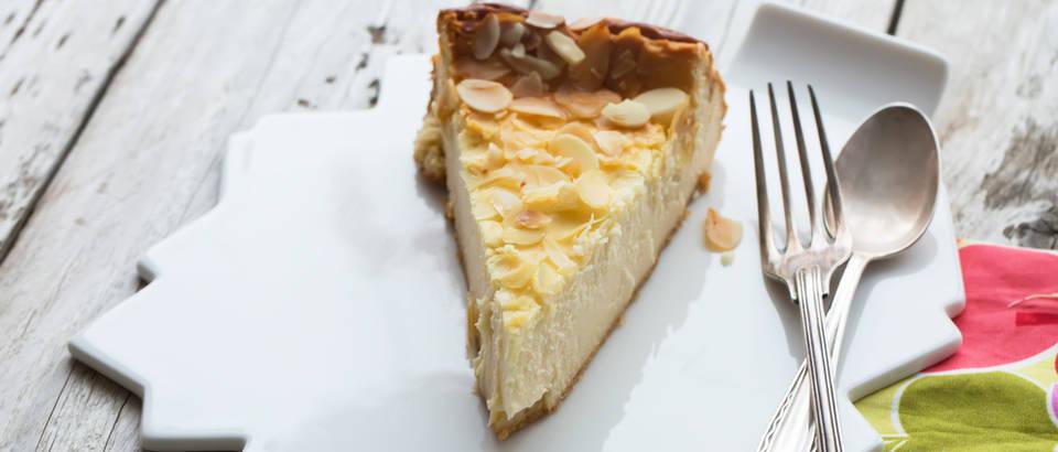 Cheesecake bademi