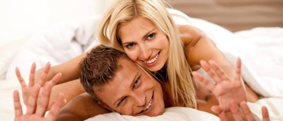 par-seks-sreca-krevet-ljubav-2