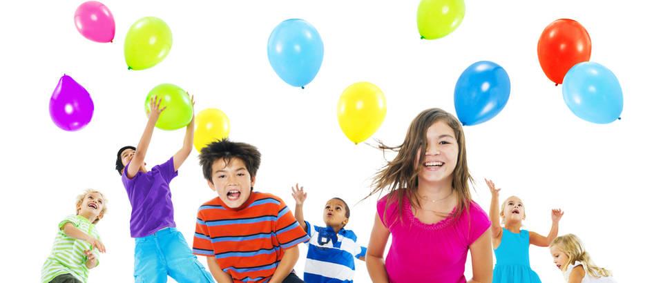 Djeca, igra, baloni, Shutterstock 255857704