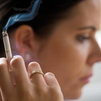 pusenje-zenja-cigareta-nikotin-1