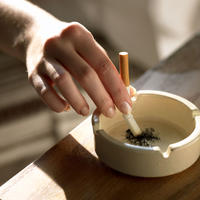 cigareta-pusenje-zena-nikotin3