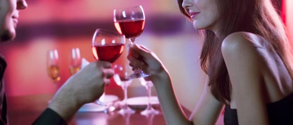 zavođenje uz casu vina
