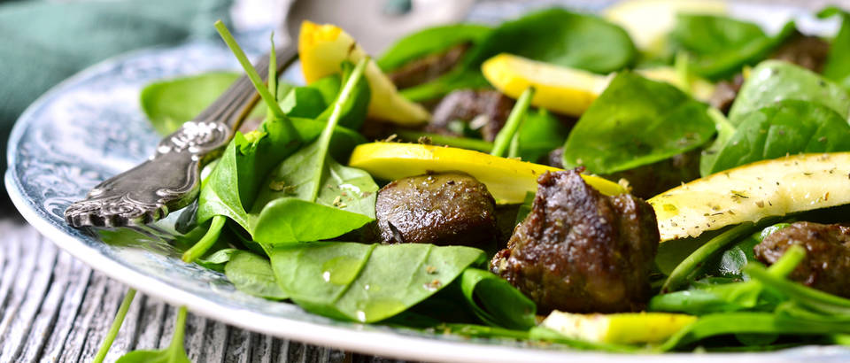 Salata špinat povrće jetra jetrica shutterstock 330693749