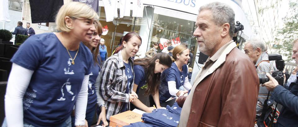 Milan Bandic - kupnja majica.jpg