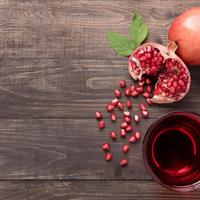 sok od šipka Shutterstock 309091820