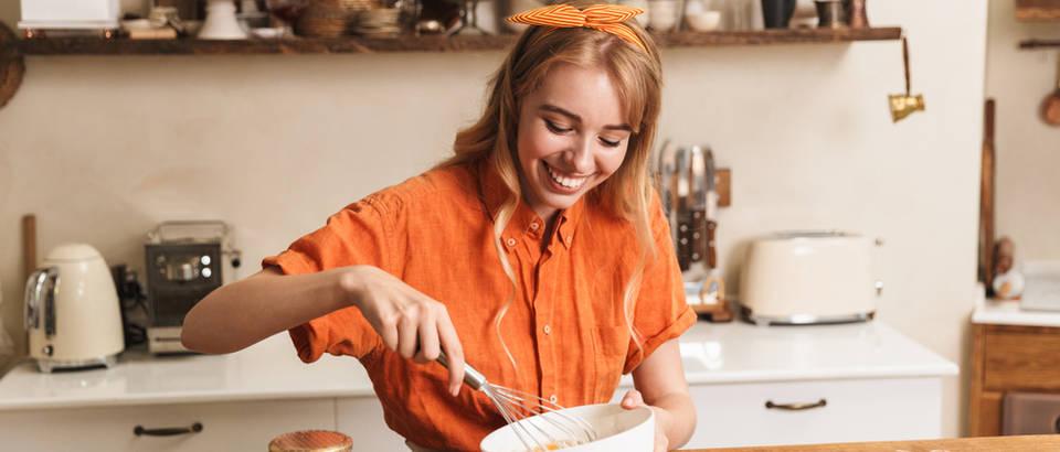 žena, kuhanje
