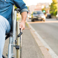 Distrofija kolica muškarac invalid shutterstock 466275443
