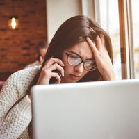 žena djevojka laptop posao shutterstock 517291387