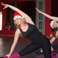 Vježbanje vježba  prosinac božić fitness istezanje shutterstock 284911247