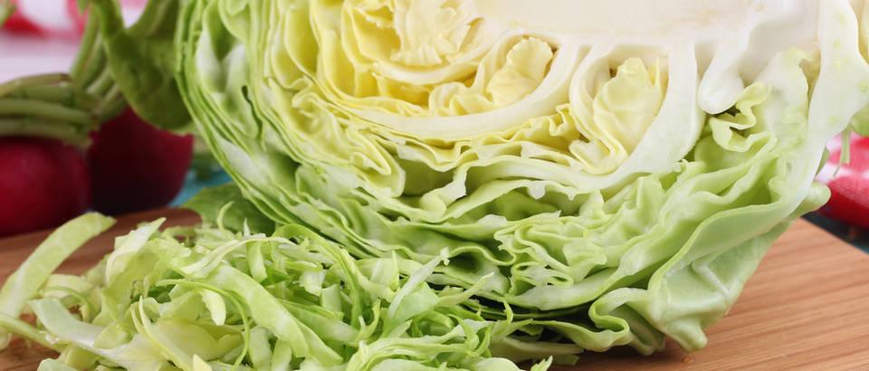 Kupus zelje rezanje povrce narezano shutterstock 274829372