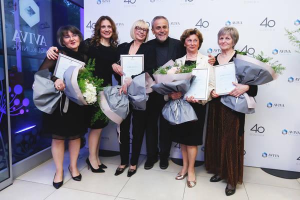 Milan Bandić i med. ravnateljica Sandra Morović s nagrađenim djelatnicama Poliklinike AVIVA