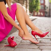 žulj potpetica noga stopalo žena djevojka shutterstock 318088595